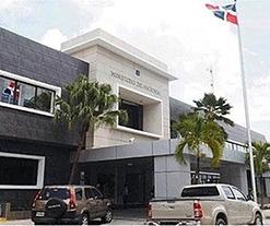 Ministerio de Hacienda de Dominicana destruye tragamonedas que operaban de forma ilegal